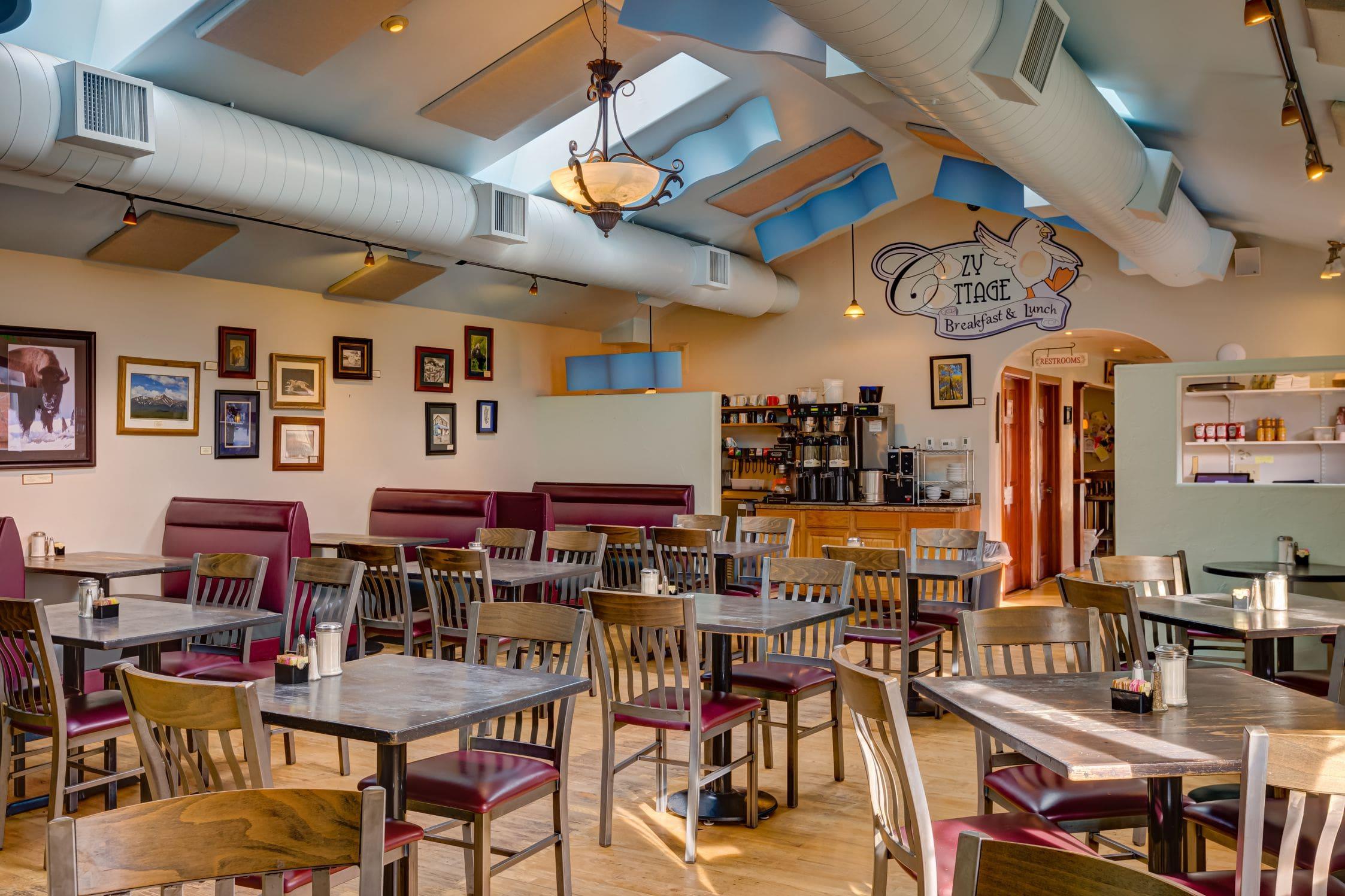 Cozy-Cottage-Restaurant-Denver-0004-min