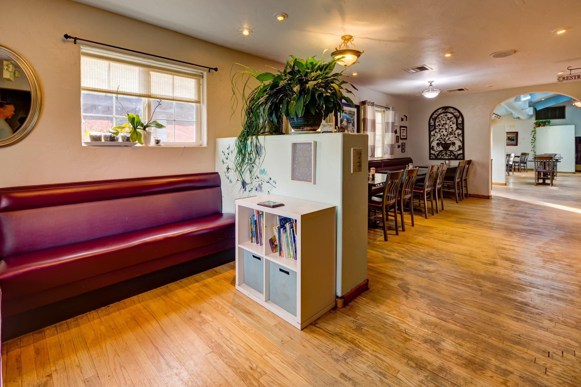 Cozy-Cottage-Restaurant-Denver-0007-min