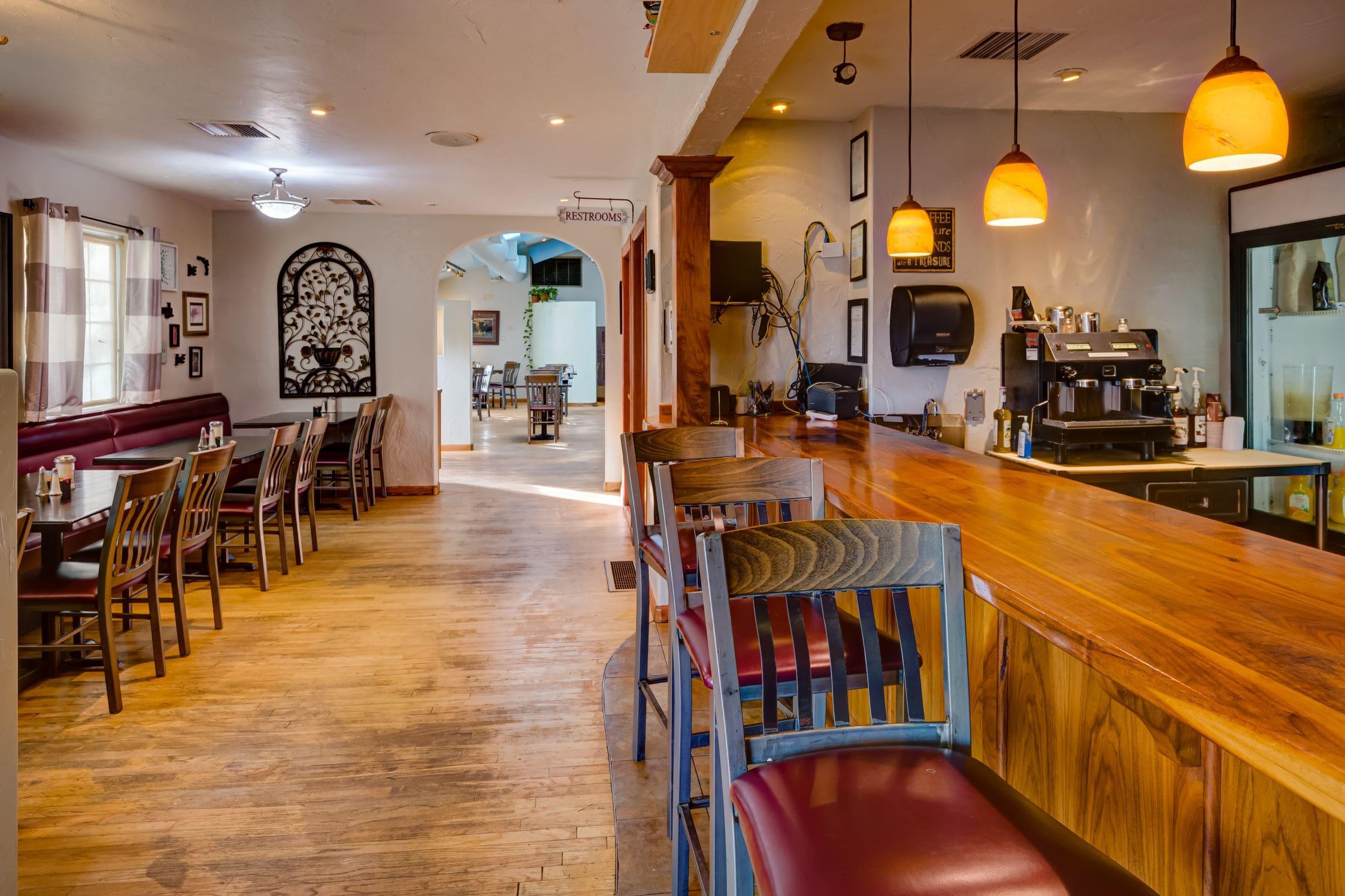 Cozy-Cottage-Restaurant-Denver-0008-min