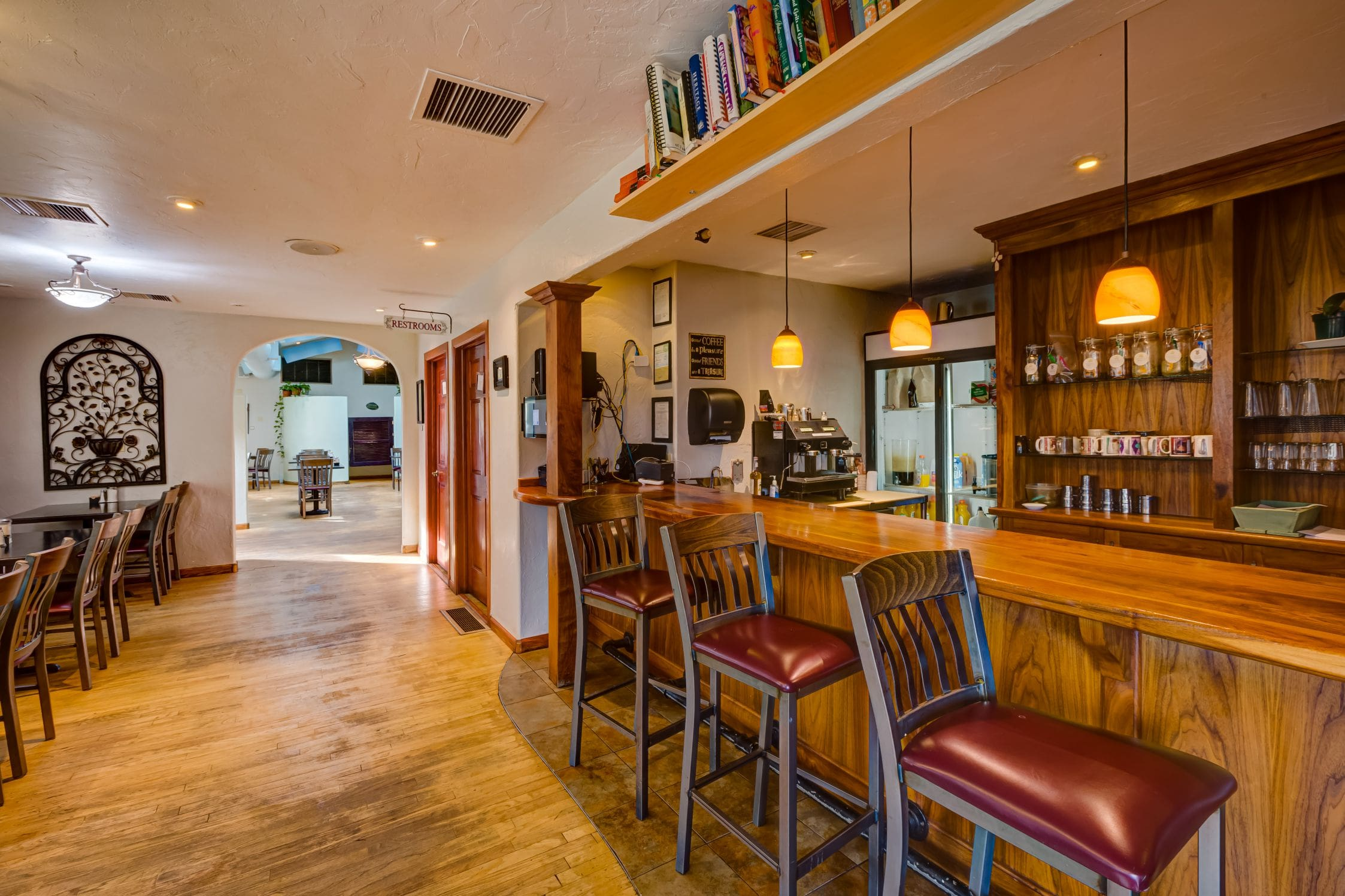 Cozy-Cottage-Restaurant-Denver-0009-min